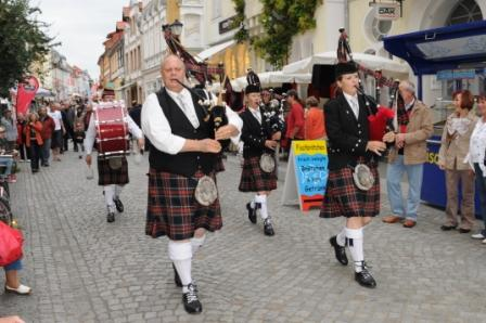 Pipes and Drums of Clan Mclanbourough in Waren (Müritz)